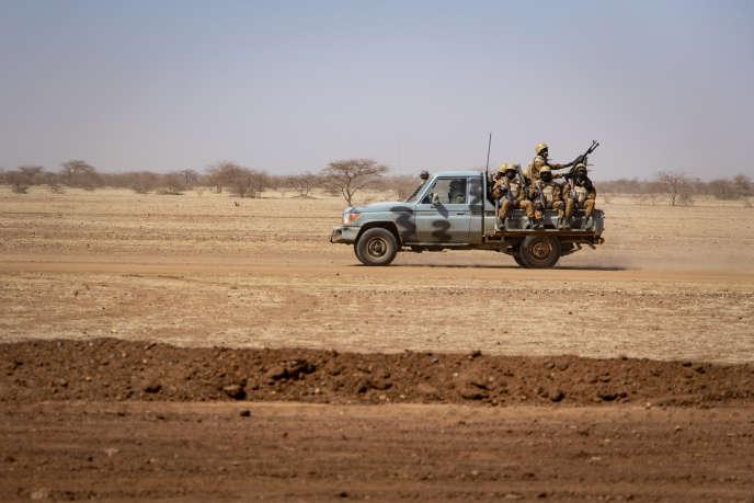Patrouille de l'armée malienne à la frontière burkinabée, le 3 février 2020.