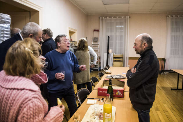 Lors du pot de départ de Jean Vogel, après le dernier conseil municipal de son mandat, le 20janvier.