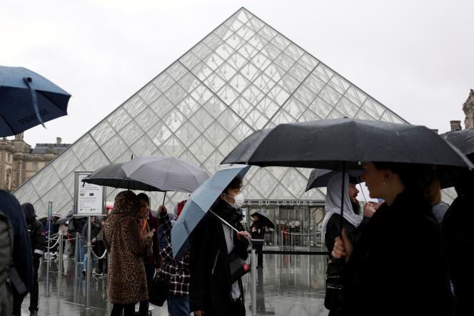 L'épidémie de coronavirus a mis un frein à l'activité culturelle dans le monde entier. Ici, au Louvre, à Paris, le 2 mars.