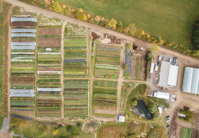 Vue aérienne de la Ferme des Quatre-Temps, à Hemmingford, au Canada.
