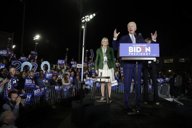 Joe Biden s'adresse à ses supporteurs lors d'un meeting à Los Angeles (Californie), le soir du Super Tuesday, le 3 mars.