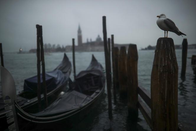Venise, le premier mars. Les mesures de quarantaine sont nées au XIVe siècle dans les villes italiennes.