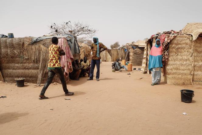 Un campement de réfugiés nigériens à Ménaka, en février.