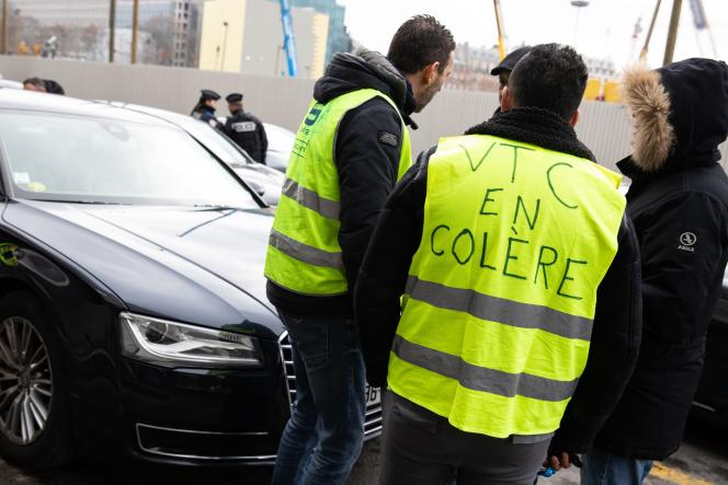 Le périphérique parisien est bloqué à la suite de l'appel de l'Association des VTC de France, le 25 janvier 2019.