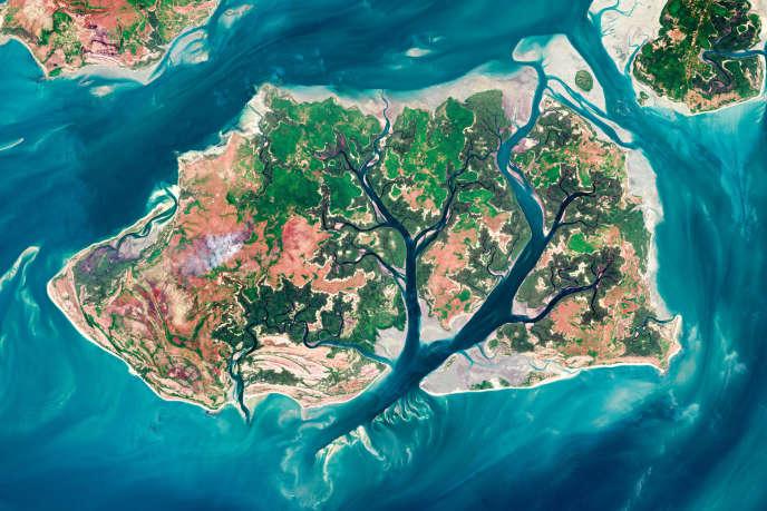 Une image satellite des îles Bijagos surl'archipel de Guinée-Bissau.