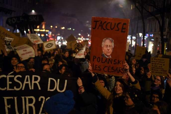 Manifestation devant la Salle Pleyel lors de la cérémonie des Césars, le 28 février.