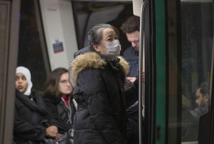 A Paris, dans le métro, le 6 mars.