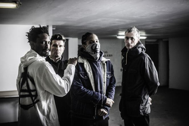 La rappeuse Casey au centre du groupe Ausgang, le 2 février 2017, à Paris.