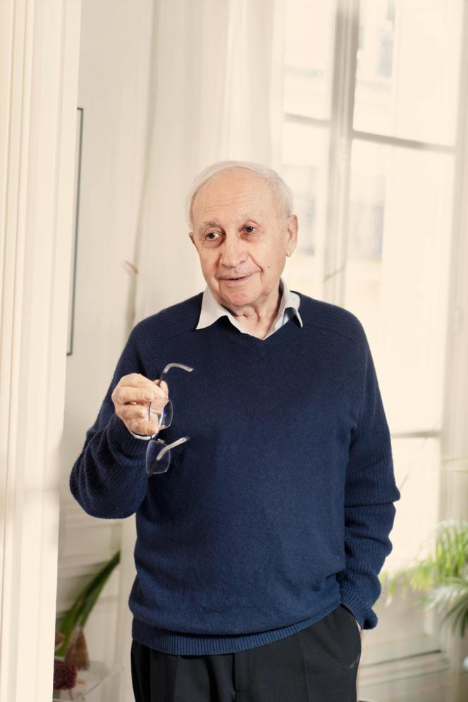 Jean-Louis Butré, chez lui à Paris, le 6 mars.