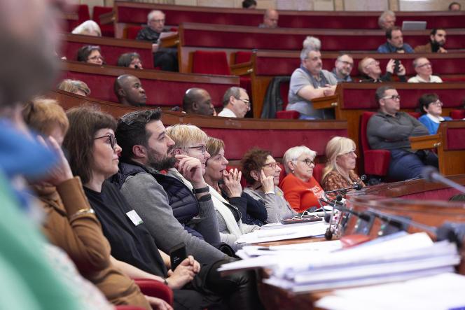 Les membres de la convention citoyenne pour le climat réunis en session de travail, le 6 mars.