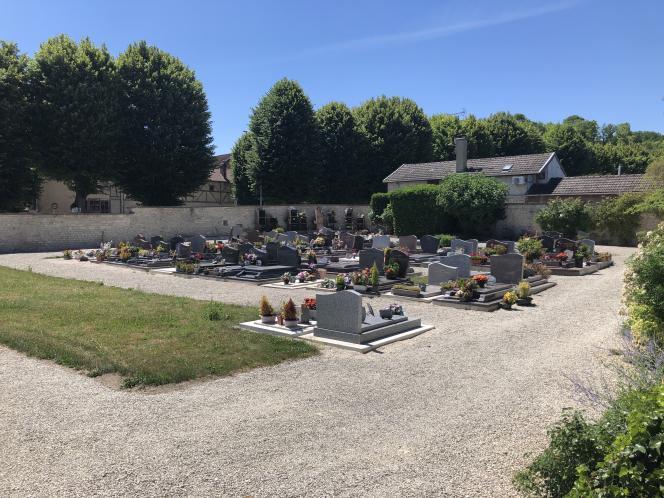 Le cimetière de Bar-sur-Seine (Aube), le 5 juillet 2019. Nathalie Tison y a été inhumée sans cérémonie dans le carré des indigents.