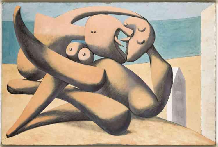 """«Ces baisers échangés à l'arrière d'une cabine de plage ont tout d'une violente étreinte. Picasso était alors fasciné par les os comme il devait le confier au photographe Brassaï: """"J'ai une véritable passion pour les os… (…) Et avez-vous remarqué comment, avec leurs formes convexes et concaves, les os s'emboîtent les uns dans les autres?Avec quel art sont 'ajustées'les vertèbres?"""". »"""
