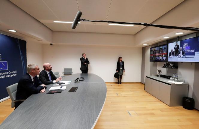 Vidéoconférence menée par le président du Conseil européen Charles Michel avec les chefs d'Etat et de gouvernement de l'UE, le 10 mars.