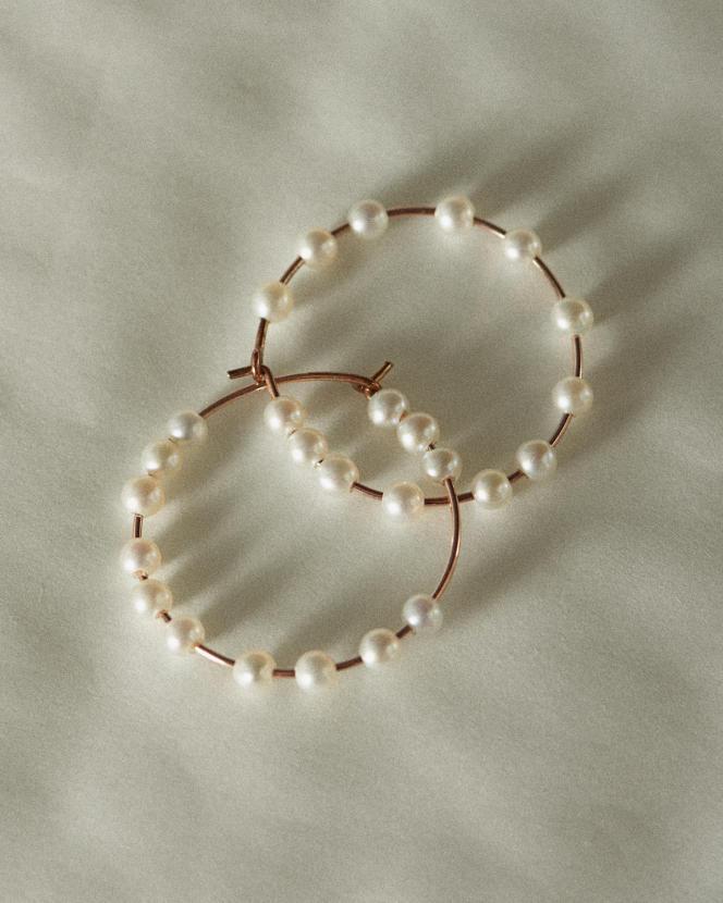 Créoles Maria, en or rose et perles, Ginette NY, 405 €.