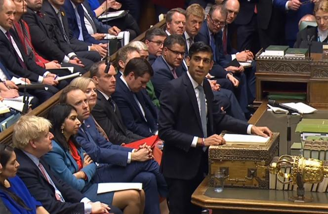 Le chancelier de l'échiquier Rishi Sunak présente le budget 2020 à la Chambre des communes, à Londres, mercredi 11 mars.