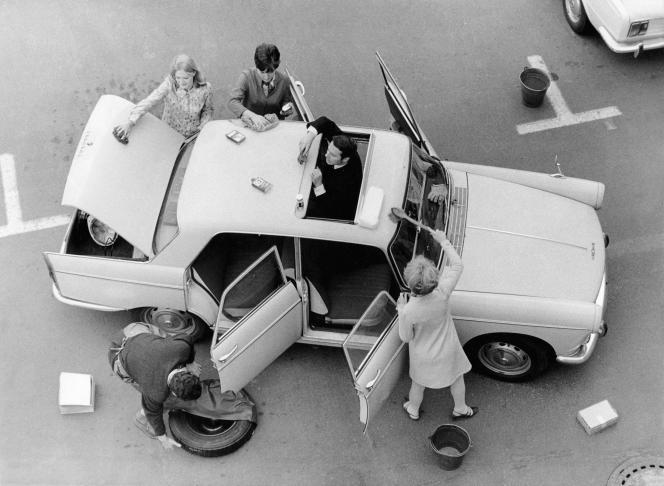 Une Peugeot 404 de 1969.
