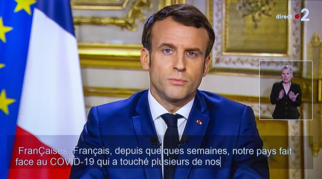Le président de la République, Emmanuel Macron, pendant sa déclaration télévisée à propos de la pandémie de coronavirus, le 12 mars 2020.