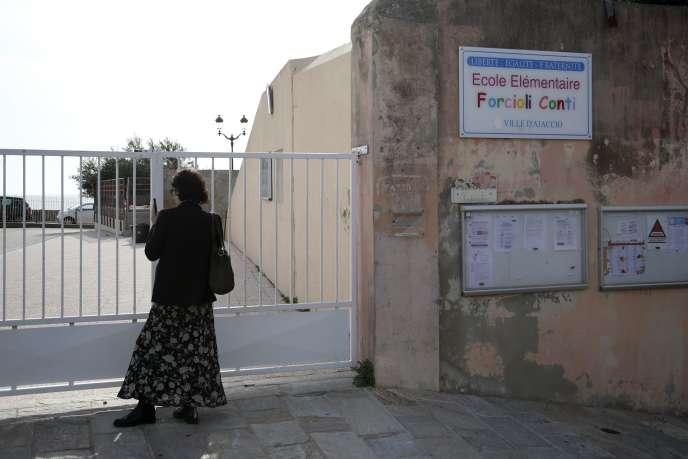 Une école fermée, à Ajaccio, le 13 mars.