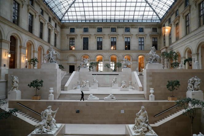 Au musée du Louvre, vendredi 13 mars.