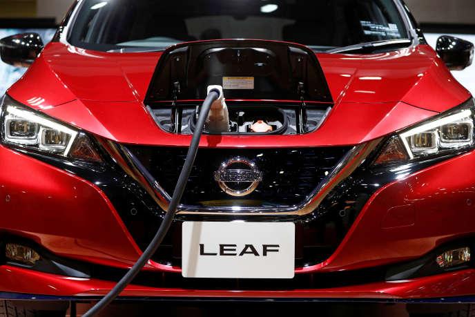 La Leaf, modèle électrique de Nissan, est présentée au salon de l'automobile de Tokyo, en octobre 2019.