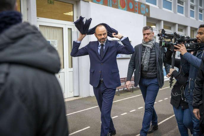 Edouard Philippe à l'école maternelle Ancelot, au Havre, le 15 mars.
