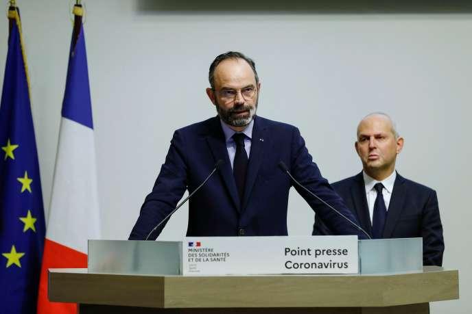 Le premier ministre Edouard Philippe annonce de nouvelles mesures pour lutter contre l'épidémie de Covid-19, à Paris, le 14 mars.