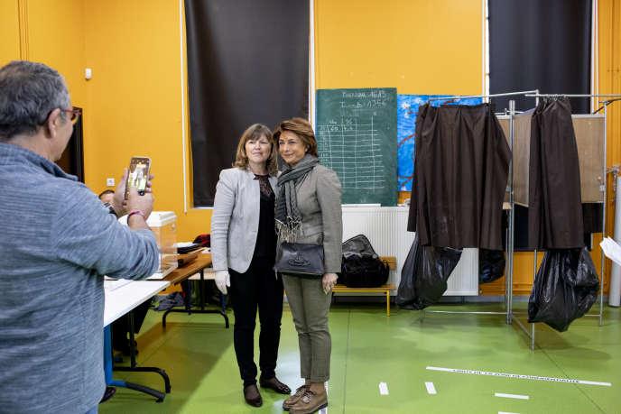 La candidate (LR) Martine Vassal, dans un bureau de vote rue Grigan à Marseille, le 15mars.