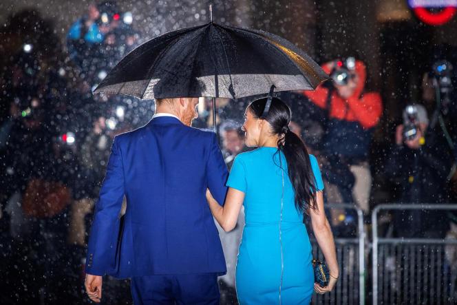 Meghan Markle et le prince Harry lors de leur tournée d'adieu à Londres, le 5 mars.