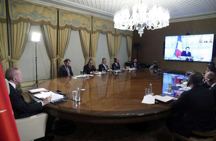 Le président turc, Recep Tayyip Erdogan, s'entretient à par visioconférence avec les dirigeants européens, mardi 17 mars à Istanbul.