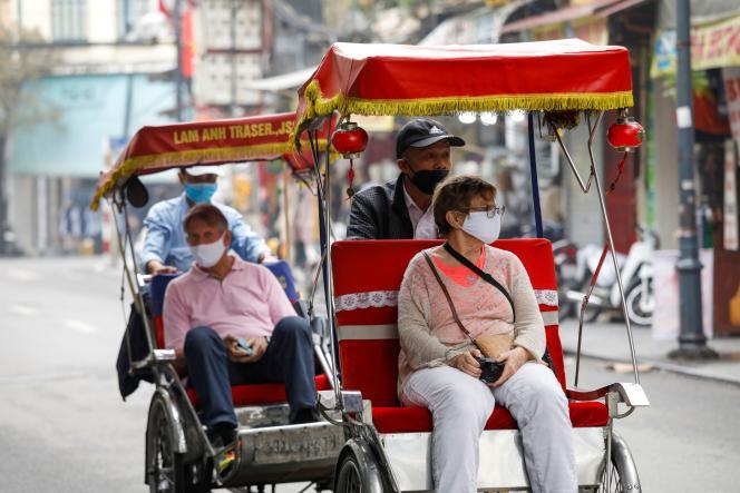 «Il n'y a pénurie ni de gel, ni de masques» (Touristes étrangers à Hanoï, le 17 mars).