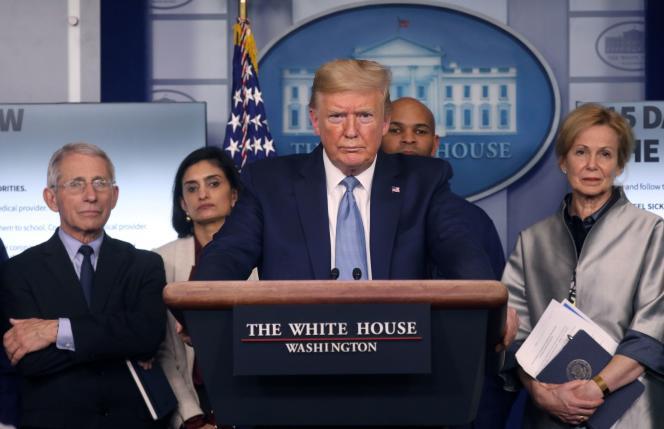 Donald Trump lors d'un point d'information sur l'épidémie du coronavirus, à la Maison Blanche, à Washington, le 16 mars.