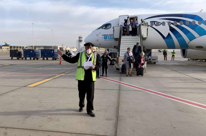 Sur le tarmac de l'aéroport international de Luxor, en Egypte, le 9 mars 2020.