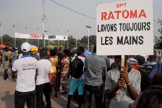 Lors d'un concert« Bye bye Ebola» à Conakry, le 30décembre 2015.