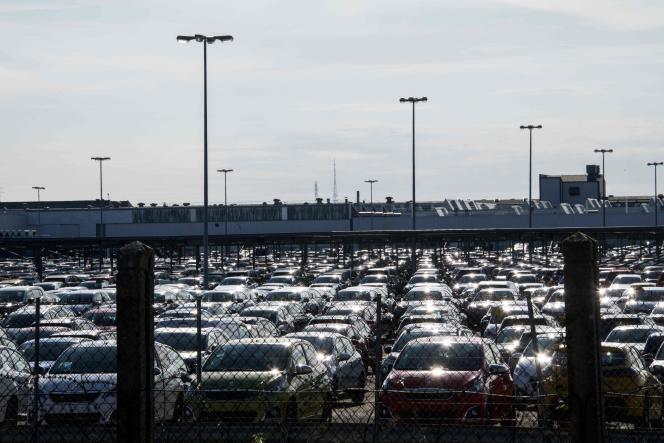 Les usines automobiles européennes ont décidé de se mettre à l'arrêt. 14 sites sont concernés en France, comme celui de PSA Mulhouse, ici le 16 mars.