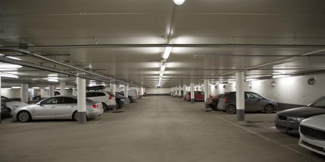 Pour une place de parking louée indépendamment d'un logement, le tarif est négocié librement.