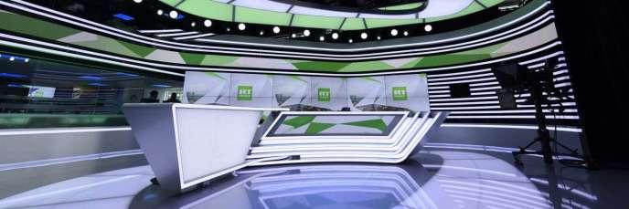 Le plateau télé de la chaîne d'information RT France.