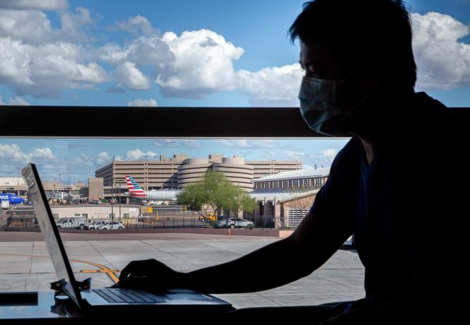 A l'aéroport de Phoenix (Arizona), aux Etats-Unis, le 14 mars.