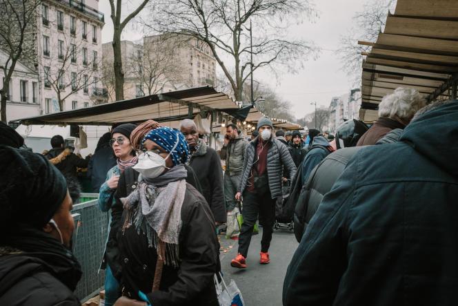 Mardi 17 mars, au marché de Belleville à Paris.