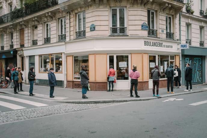 Rue du Château-d'eau à Paris, au premier jour de l'entrée en vigueur des mesures de confinement, le 17 mars.