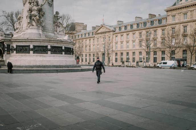 La place de la République à Paris, lors de la première journée de confinement, le 17 mars.