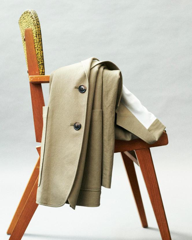 Blazer en jersey de viscose et polyamide,Uniqlo U, 79,90 €. uniqlo.fr