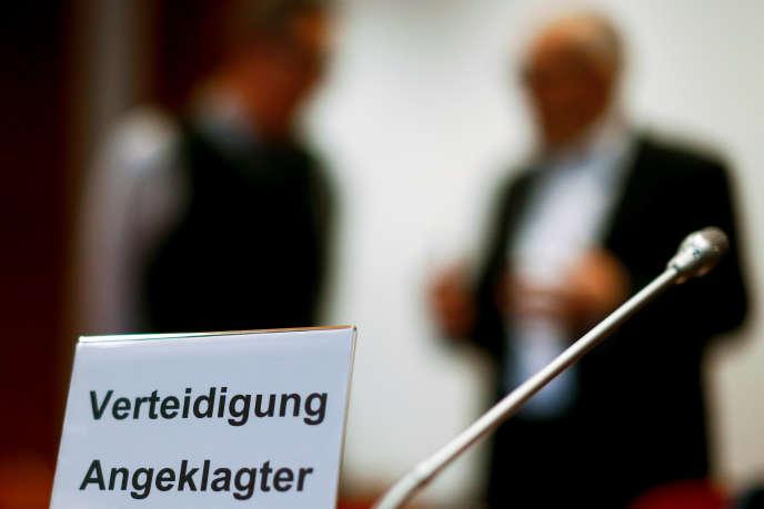Au procès des deux ex-courtiers britanniques, au tribunal de grande instance de Bonn (Rhénanie-du-Nord-Westphalie), le 18 mars.