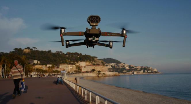 Des drones utilisés pour surveiller le confinement à Nice, le 19 mars.