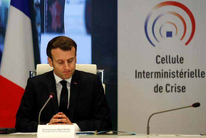 Emmanuel Macron, au ministère de l'intérieur, le 20 mars 2020, à Paris.