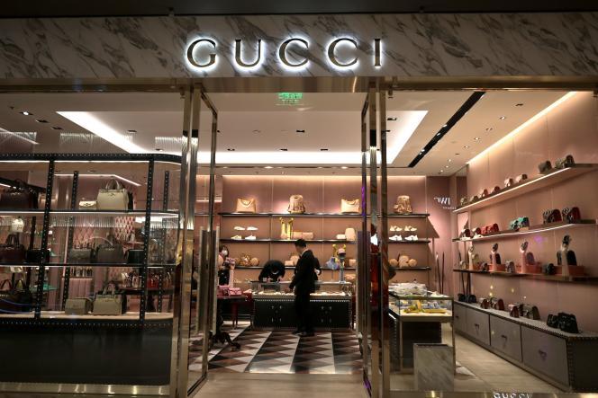 Un magasin Gucci (groupe Kering) dans un centre commercial à Pékin, le 20 février.