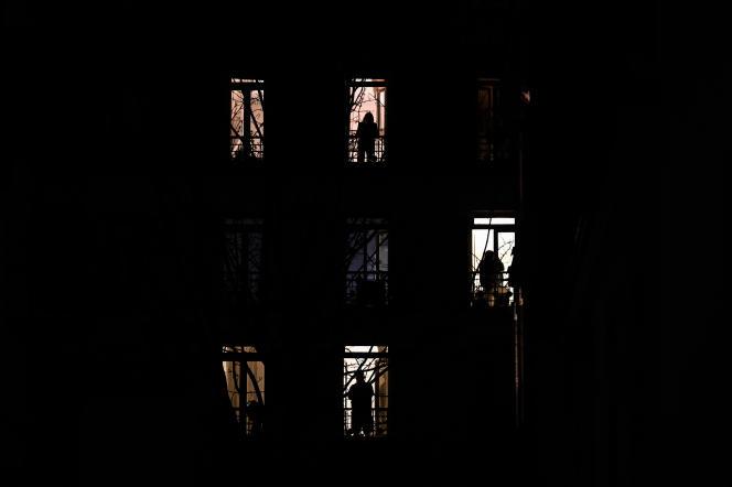 Quatrième jour du confinement, à Paris, le 19 mars.