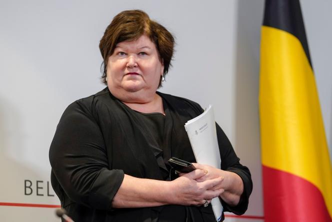 Maggie De Block, ministre de la santé belge, après un conseil des ministres du gouvernement fédéral, le 20mars à Bruxelles, sur les plans de soutien aux conséquences économiques et sociales du Covid-19.