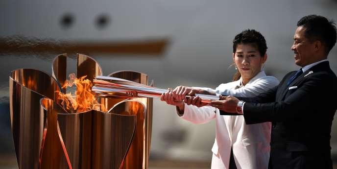 Le départ de la flamme olympique, pour un parcours de 121 jours dans les 47 départements du Japon, est maintenu le 26 mars à Fukushima.