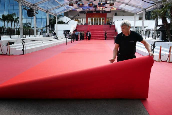 Devant le palais des festivals, en mai 2019, à Cannes.