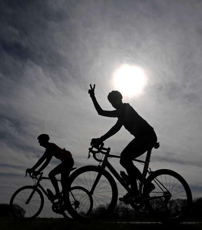 Heureux cyclistes.